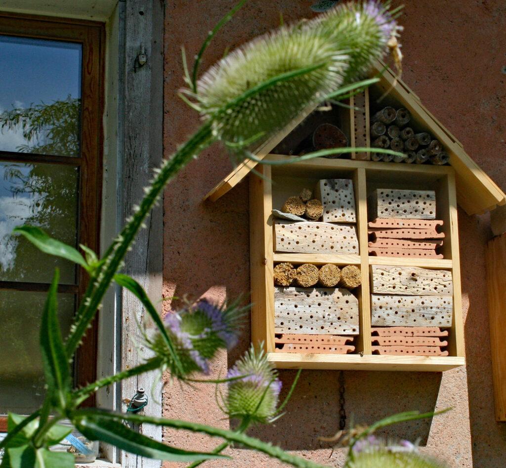 Wildbienennisthilfe