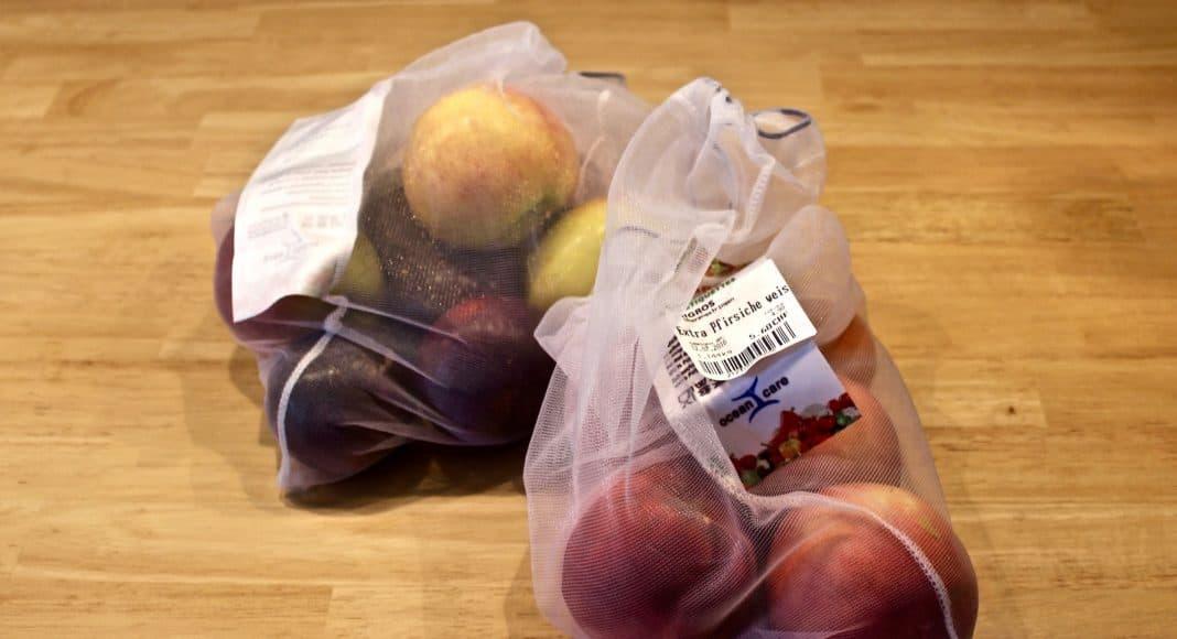 Veggie-Bag mit Früchten darin, sollen die Nachhaltigkeit fördern und den Plastikkonsum verringern.