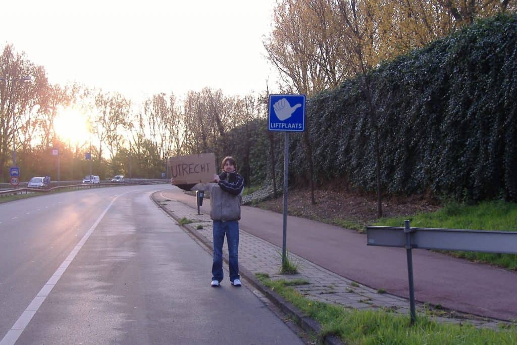 In den Niederlanden gibt es sogar Autostopp-Haltestellen.