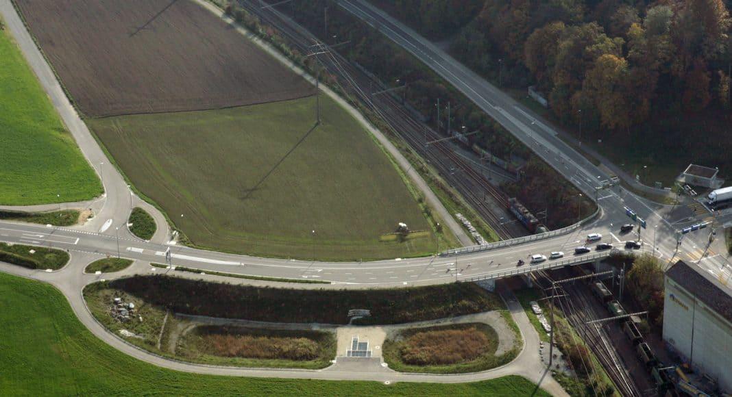 Luftbild auf Strasse