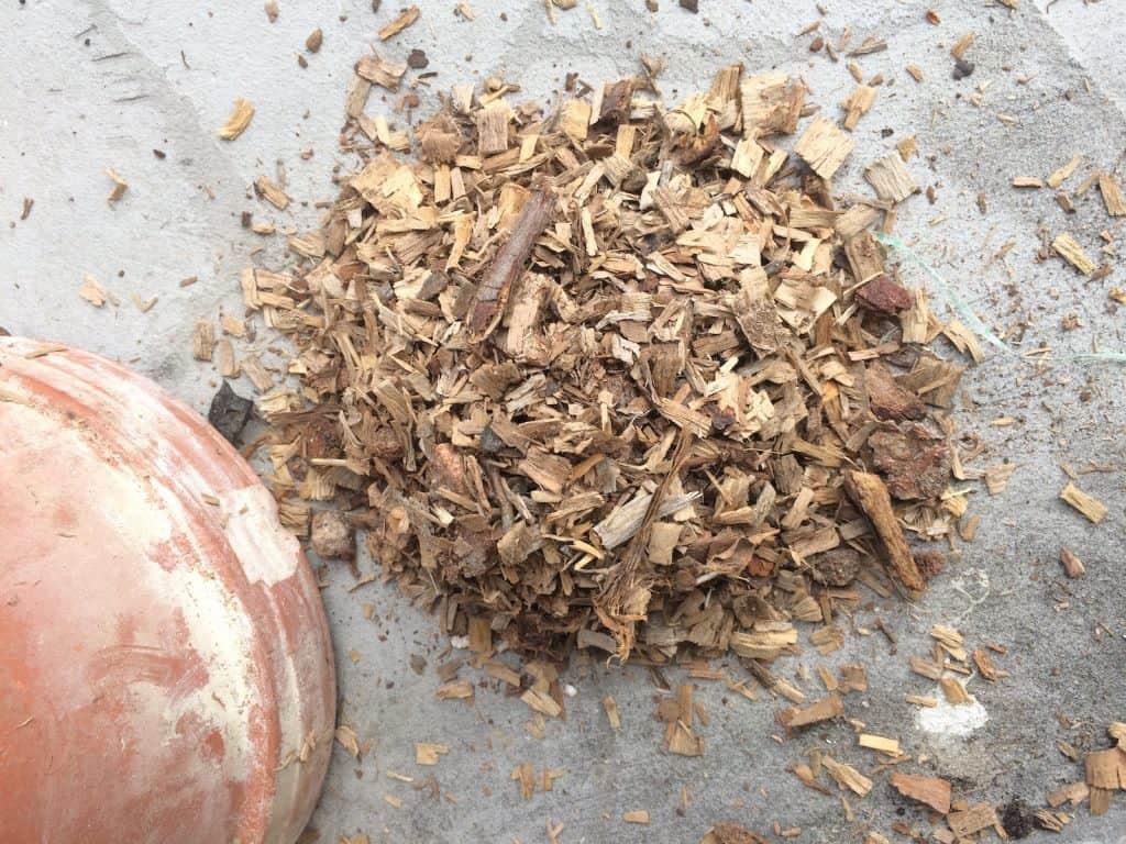 gehäckseltes Holz eignet sich für den Nestbau.