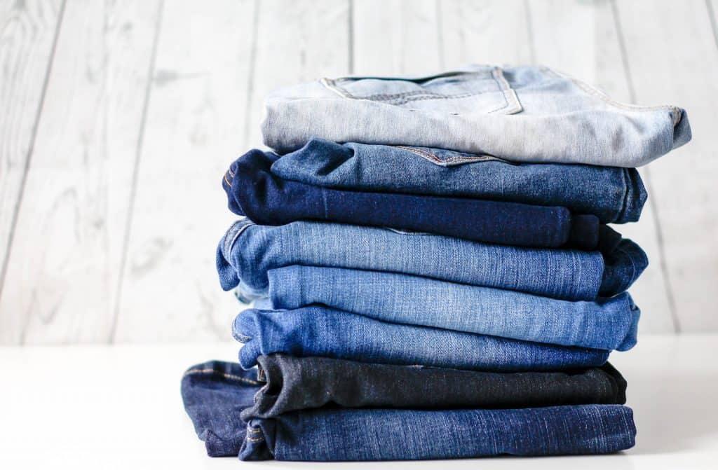 Herstellung von solchen Jeans braucht eine Menge Wasser.