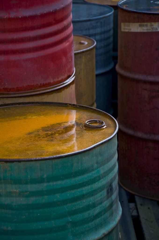 Erdöl ist die Basis für die Herstellung von Styropor.