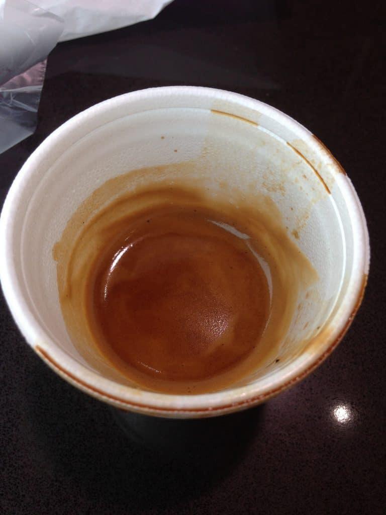Hitze, wie dieser Kaffee, kann gesundheitlich schädliche Stoffe aus dem Styropor lösen.