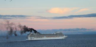 Ein schlechte Freiteiznutzung: Kreuzfahrten. Denn Die Kreuzfahrtschiffe stossen viele Schadstoffe aus!