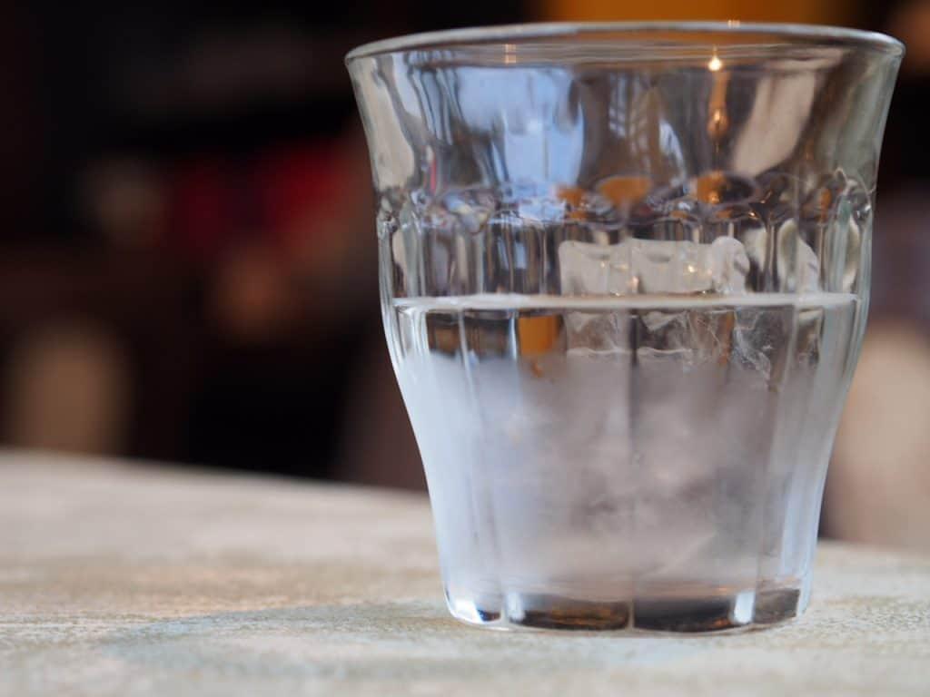 Viel Wasser trinken ist wichtig.