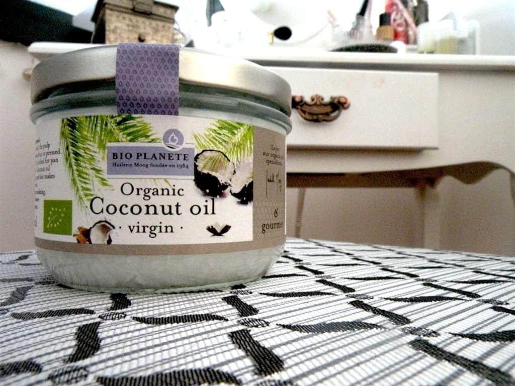 Kokosnussöl kann für die Herstellung eines ökologischen Deos genutzt werden.