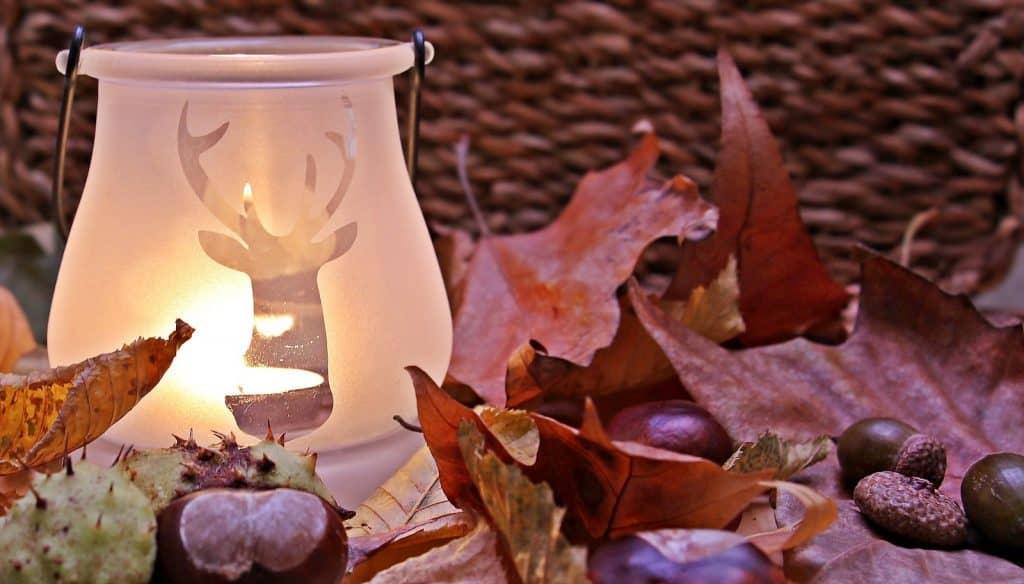 Herbstliche Windlichter mit Serviettentechnik.