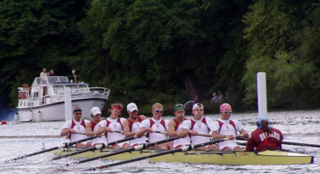 Der erste Sportverband verpflichten sich UNESCo Weltstädte zu schützen. Hier ein Ruderteam auf der USA.