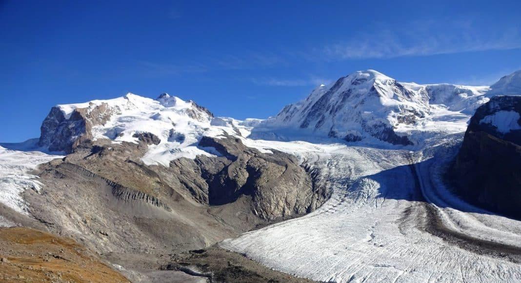 Beim Gornergletscher sieht man die Gletscherschmelze klar.