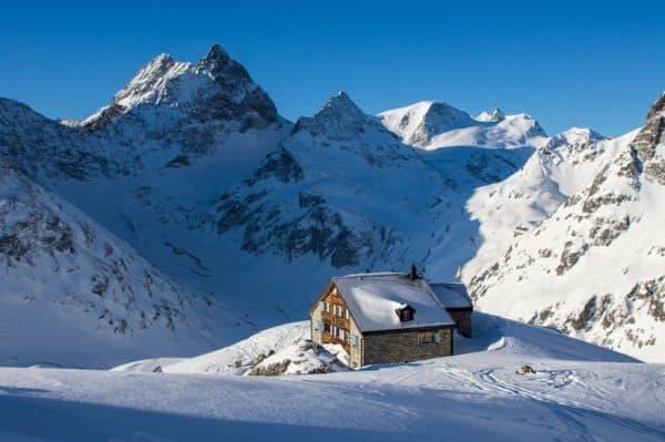 Schneetourenbus erschliesst neue Regionen 2