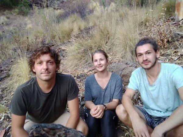 In der letzten Woche ihres Praktikums fanden die Trierer Studierenden Lukas Knob, Lisa Mahla und Jann Kolmsee (v. l.) die Heuschrecken-Art