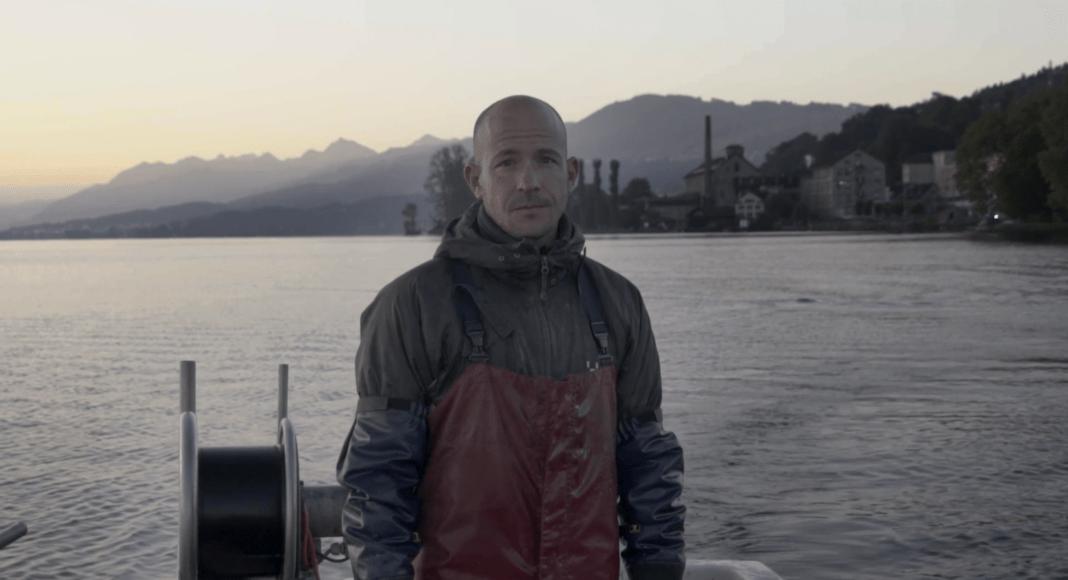 Berufsfischer Samuel Weidmann auf dem Zuerichsee