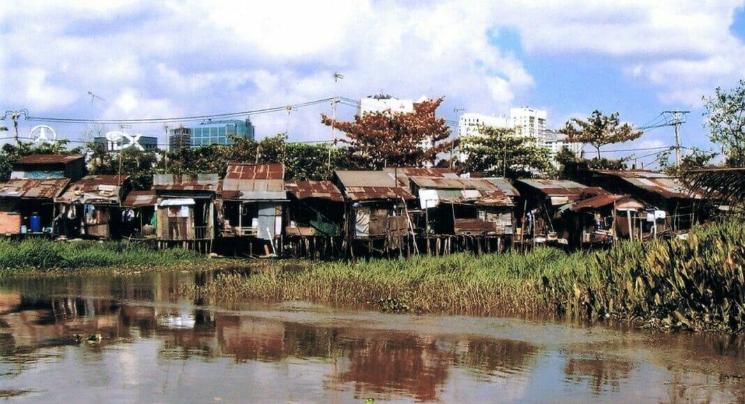 Ein Slum am Wasser