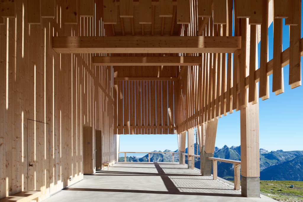 Detailansicht des Gipfelgebäudes
