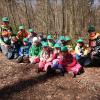Am 3. Mai findet der 1. Internationale Tag des Waldkindergartens statt. Im Bild die Gruppe Finkli der Waldspielgruppe Vogelnäscht in Zürich-Schwamendingen. © globalforestkindergarden