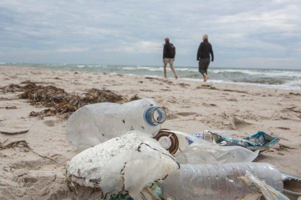 Plastik stellt ein Grossteil des gefundenen Mülls in Gewässern dar. @ NABU/ Felix Paulin