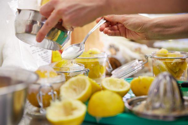 Lebensmittel konservieren kann der Verschwendung entgegenwirken. @ Greenabout